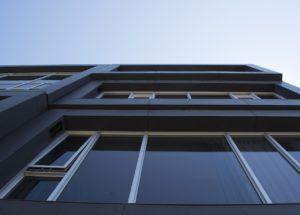חלון חדש בבניין